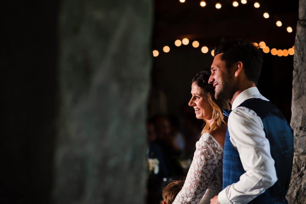 Photographe de mariage Belgique, photo lors des discours du mariage de Luv et Geraldine à La Carrière (Bioul)