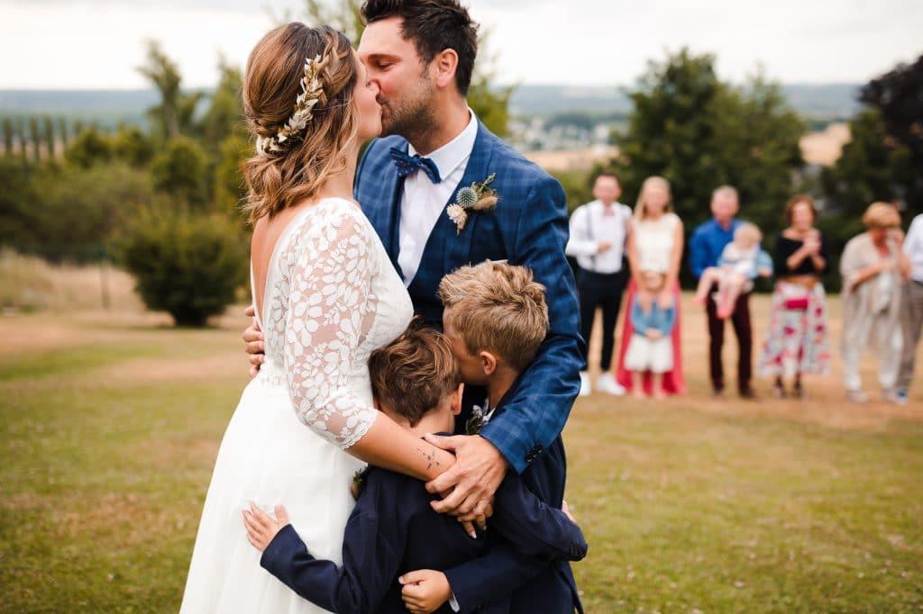 Photographe de mariage Belgique, photo lors du 'frise look' du mariage de Luv et Geraldine à La Carrière (Bioul)