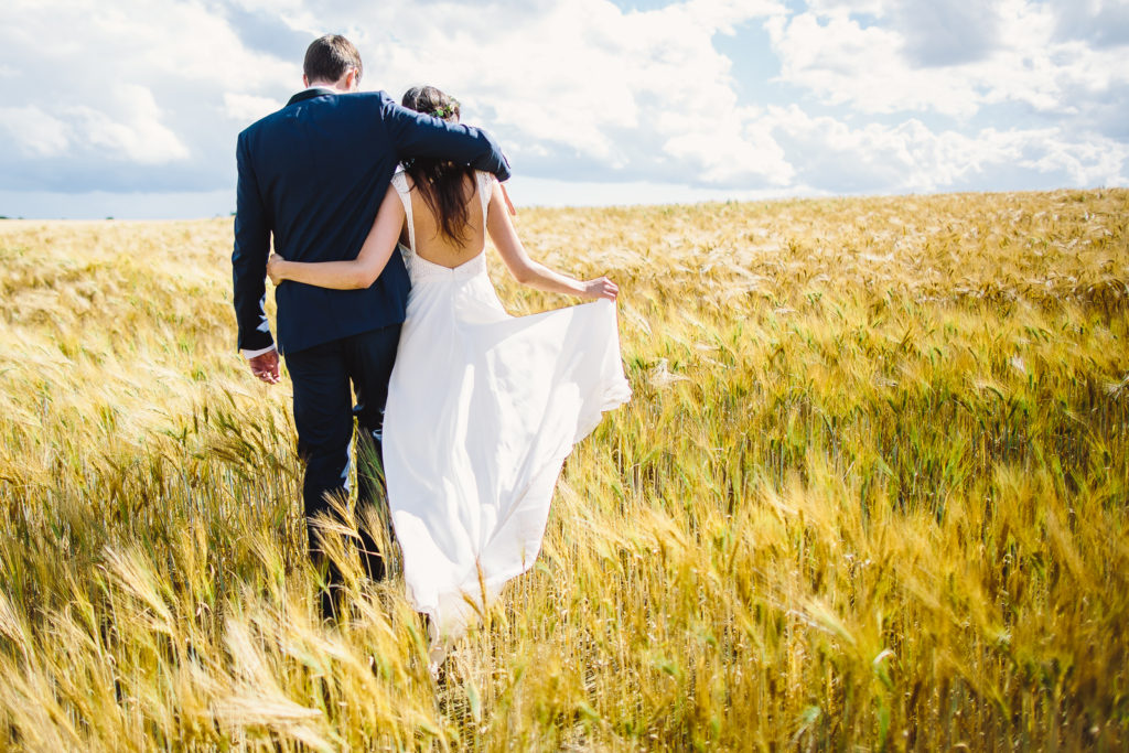 Photographie de La Corde au Coeur, photographe de mariage en Belgique. Portrait des mariés durant la session de couple